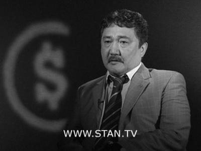 """Политолог Бакыт Бакетаев: """"Создается ощущение, что на пост мэра Бишкека готовят другого, третьего, кандидата, а не Ибраимова или Абдылдаева"""""""
