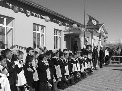 Школы Кыргызстана перешли напятидневку