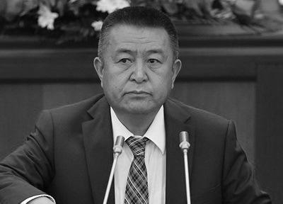 Выборы президента Кыргызстана: Кандидат отправящей партии подал объявление