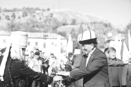 Окружение Алмазбека Атамбаева может сыграть воперацию «преемник»