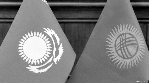 Президент Атамбаев: Казахстан отрезал Киргизию отЕвразийского финансового  союза