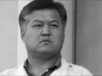 Объявившие голодовку оппозиционеры Асанов иКарыбеков начали пить воду